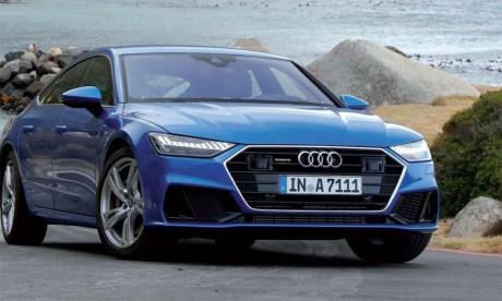 Grâce à ses larges surfaces, ses bords aiguisés et ses lignes athlétiques tendues, la nouvelle A7 Sportback respire le dynamisme.