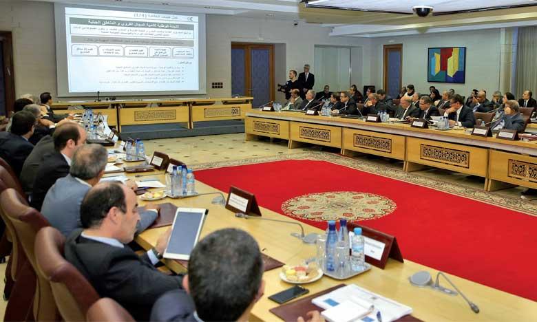 Réunion à Rabat consacrée au suivi de l'exécution du Programme de réduction des disparités sociales et territoriales en milieu rural, doté d'un budget global de 50 milliards de dirhams