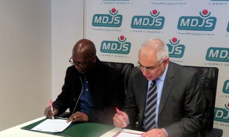 En signant cette convention, la MDJS renforce sa volonté de solidarité africaine, après la mise en place de quatre autres partenariats de coopération effective avec la Loterie sénégalaise et la Loterie Nationale Ivoirienne en 2013, la Loterie Nationale Burkinabé en 2014 ou encore le PMU Mali en 2015. Ph : DR