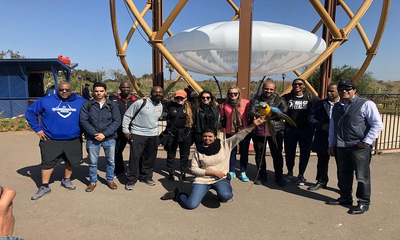 Une délégation de la NBA en visite au parc Sindibad