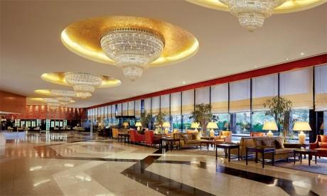 Le groupe Hilton lancera l'hôtel Cairo Heliopolis à proximité du Towers Luxury Hotel. Ce dernier devra être rénové pour devenir le premier Waldorf Astoria en Afrique.