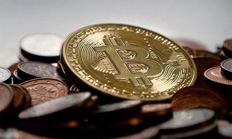 Le bitcoin évolue désormais sous les 8.000 dollars, loin des 20.000 frôlés en décembre.