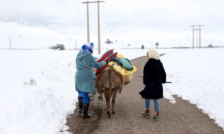 Les autorités locales de la province d'Al-Hoceima affirment que tous les moyens logistiques et humains disponibles ont été mobilisés pour apporter le soutien et l'aide aux citoyens et alléger les difficultés qu'ils éprouvent face aux intempéries. Ph : MAP