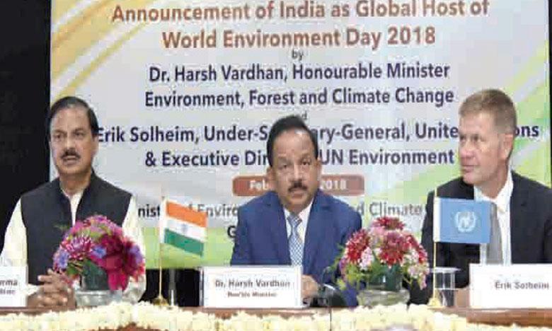 Le directeur exécutif de l'ONU-Environnement, Erik Solheim (à droite),  et le ministre indien de l'Environnement, des forêts et des changements  climatiques, Harsh Vardhan. Ph. DR