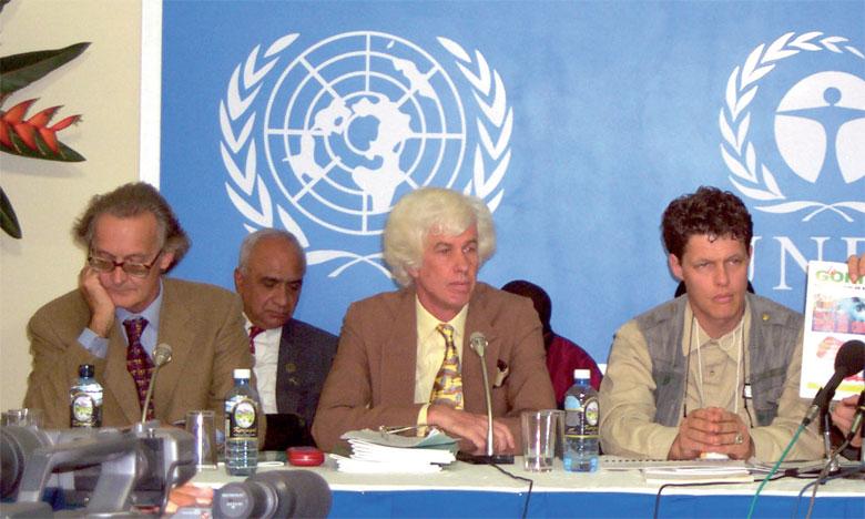 Esmond Martin (au centre ) a été retrouvé mort, hier, à son domicile.Ph. DR