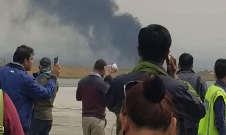 Crash d'un avion bangladais au Népal: au moins 40 morts, 23 blessés