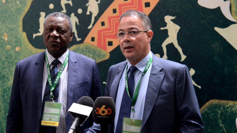 Le président de la FRMF, Fouzi Lekjaa, et le président de la Fédération camerounaise par intérim Dieudonné Happi. Ph. Saouri