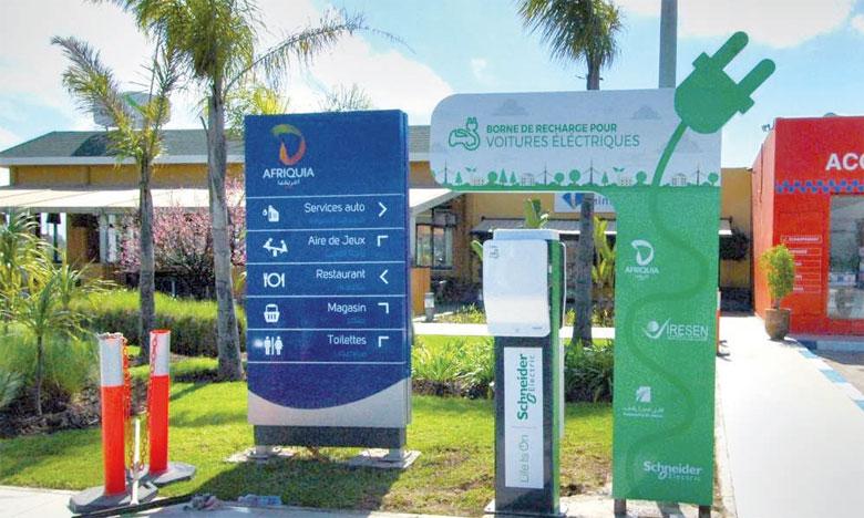 Les premières stations du groupe Afriquia sont en cours d'équipement  en bornes pour véhicules électriques. Ph. DR