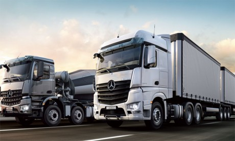 Produits dans la plus grande usine de camions du monde à Woerth, en Allemagne, les nouveaux Actros et Arocs sont spécialement développés pour le grand-export.