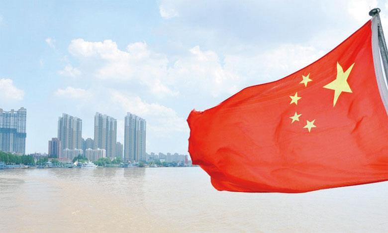 L'objectif de la Chine est de rééquilibrer son économie en l'orientant vers la consommation intérieure, les services et l'innovation technologique.