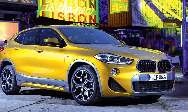 Le logo BMW supplémentaire qui orne le montant arrière évoque un détail apprécié des coupés BMW classiques que sont la 2000 CS ou la 3.0 CSL.