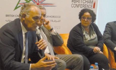 Salaheddine Mezzouar, président de la COP 22, et Amal Malouani, chargée du financement du développement durable au Crédit Agricole du Maroc.
