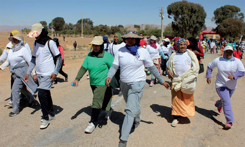 Importante participation féminine lors des étapes de la région du Drâa-Tafilalet