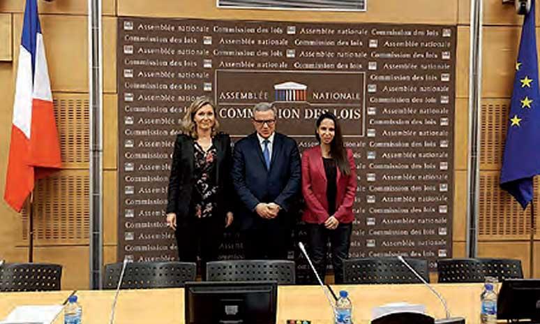 Mohamed Aujjar rencontre la présidente de la Commission des lois à l'Assemblée nationale française