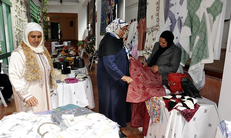Le 16e Moussem féminin d'Asilah entend favoriser les interactions entre la créatrice marocaine et ses homologues africaines, l'échange du savoir-faire des idées et prises de positions dans une dynamique de développement viable au sein du continent africain. Ph : MAP