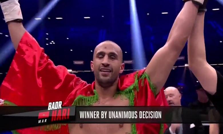 Badr Hari confirme son retour en force en battant Hesdy Gerges à Rotterdam
