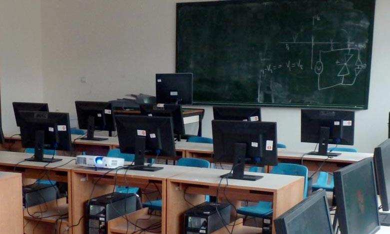 L'objectif du programme «Chemsi» au profit des zones mal desservies ou enclavées est de permettre à près de 10.000 étudiants marocains d'accéder à la technologie numérique. Ph : Archives