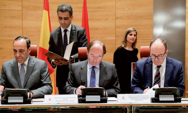 La déclaration finale a mis en exergue le rôle des parlementaires dans le rapprochement entre les deux pays, ainsi que celui du Forum parlementaire Maroc-Espagne en tant qu'espace de débat et d'échange.