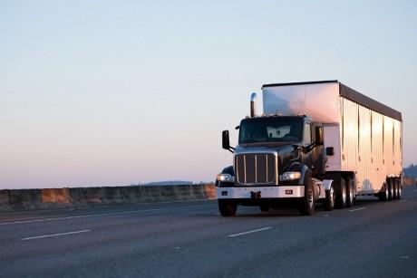 L'Académie de conduite de camions en sécurité voit le jour