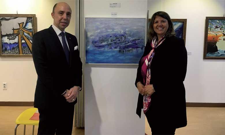 L'artiste-peintre Hayat  Saïdi représente le Maroc