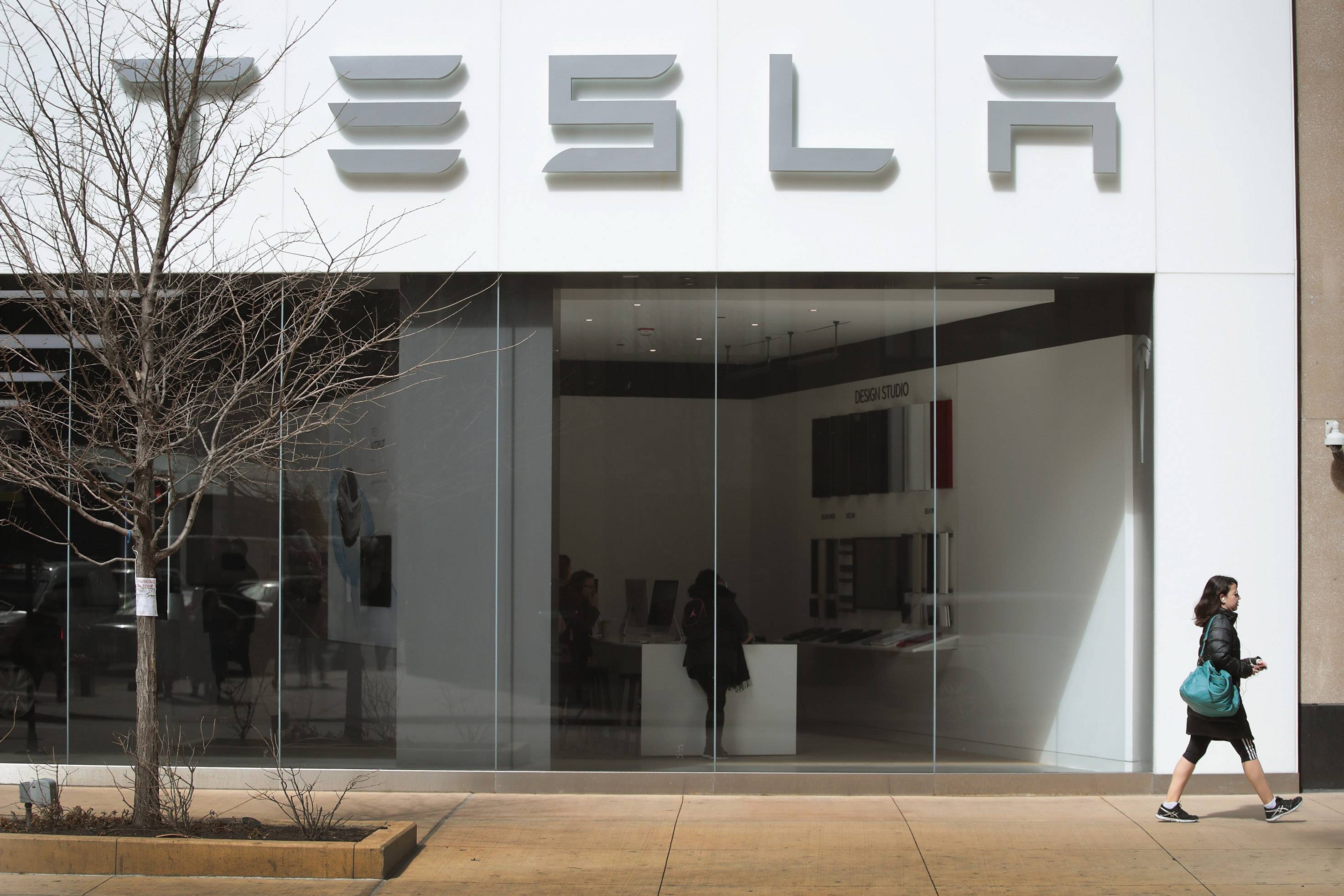 Tesla à la peine