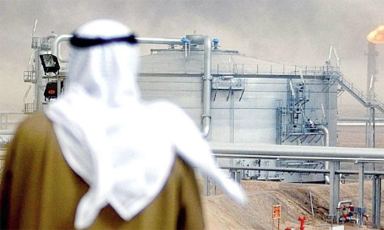 Ryad aimerait bien voir le baril remonter à 80 dollars, voire 100 dollars, selon des sources industrielles citées par Reuters.