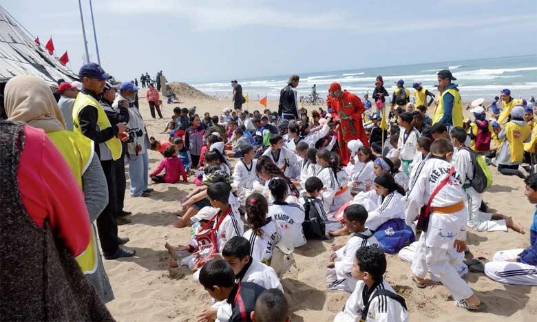 Quelque 24 associations et clubs se sont associés dans l'opération de nettoyage de la plage de Mehdia.