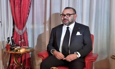 S.M. le Roi offre un dîner en l'honneur des invités et participants au 13e SIAM