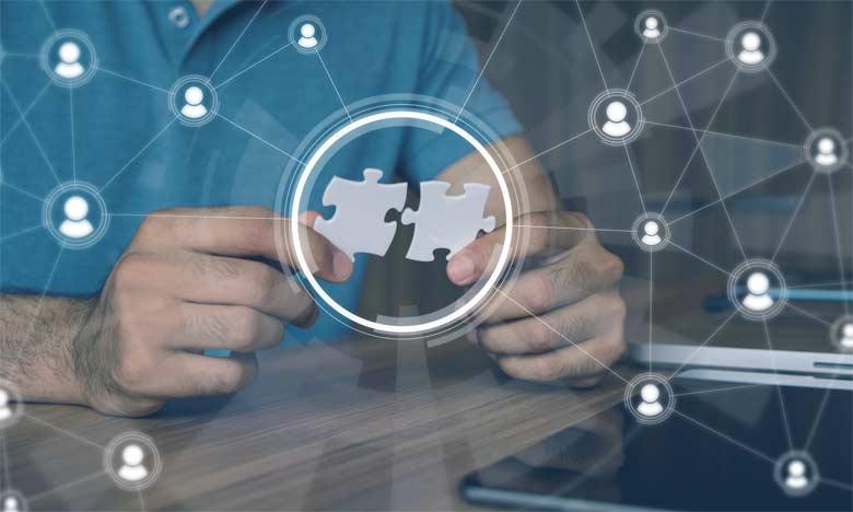 Des team-building pour le renforcement de l'esprit d'équipe ainsi que des rassemblements et des réunions peuvent cimenter les rapports et les liens entre les différentes composantes de l'équipe.