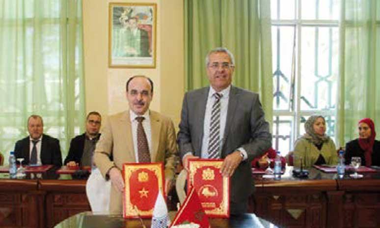 Signature d'une convention de partenariat pour  améliorer la qualité des services administratifs