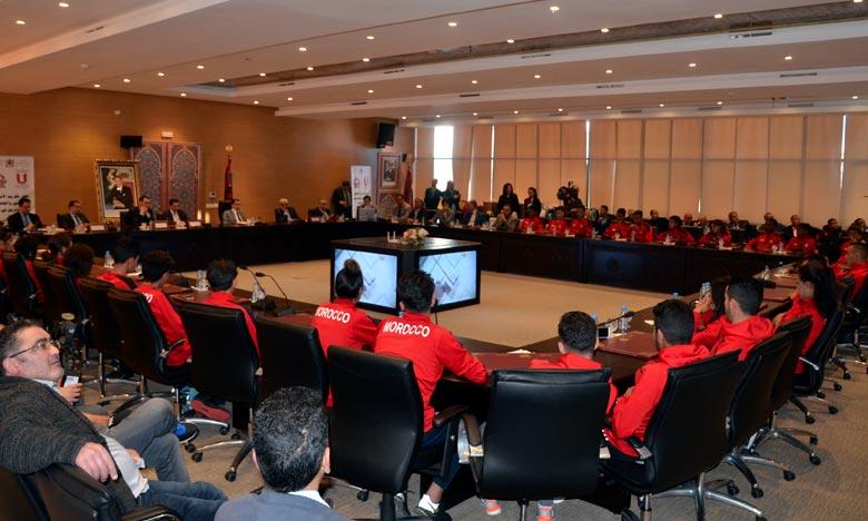 El Othmani appelle à accorder plus d'intérêt au sport scolaire