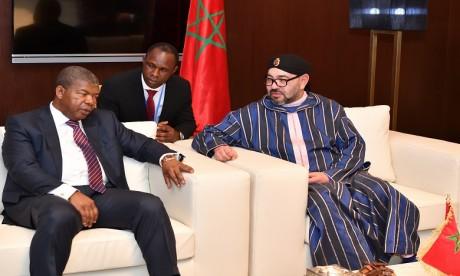 S.M. le Roi reçoit à Brazzaville le président de la République d'Angola