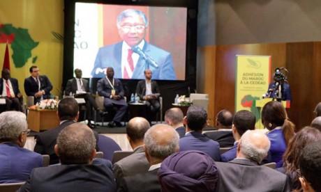 Le patronat et la société civile sénégalais plus ouverts mais veulent plus de temps