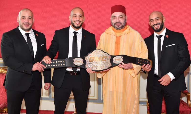 Sa Majesté le Roi Mohammed VI reçoit à Rabat les frères Azaitar, champions du monde des arts martiaux mixtes