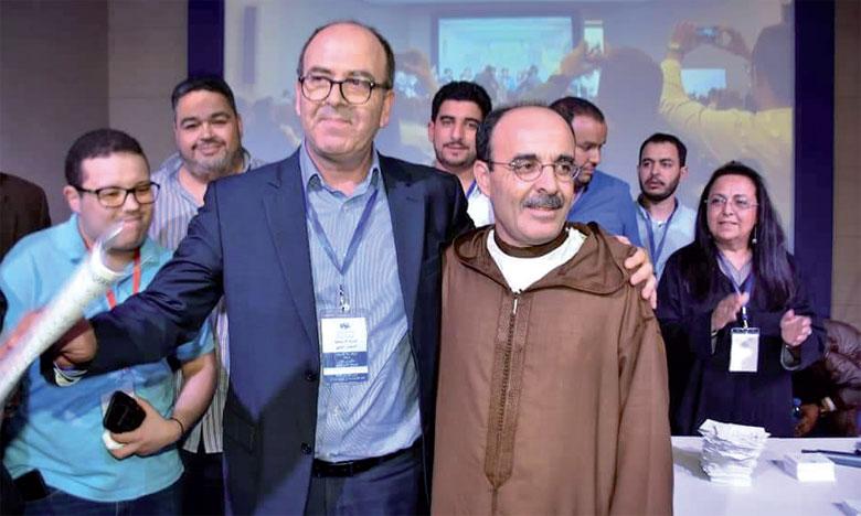 Hakim Benchamach, le nouveau SG du PAM, et son prédécesseur, Ilyas El Omari.