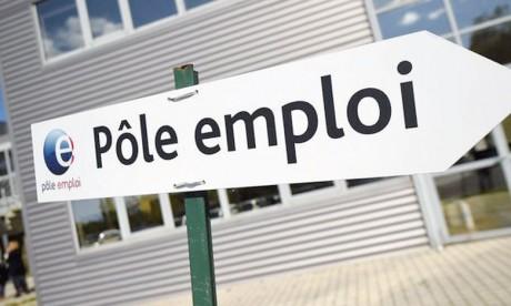 Le taux de chômage de longue durée en France métropolitaine est resté quasi stable au premier trimestre2018 à 3,6%.