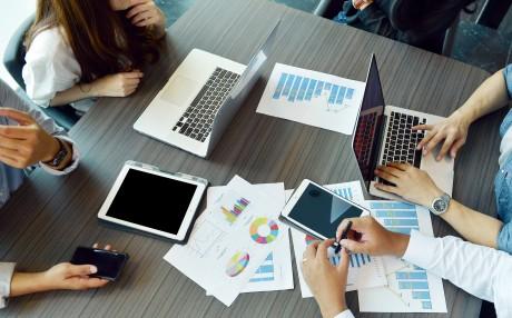 La vision digitale devrait être établie au sein même de l'entreprise et menée avant tout par le top management.