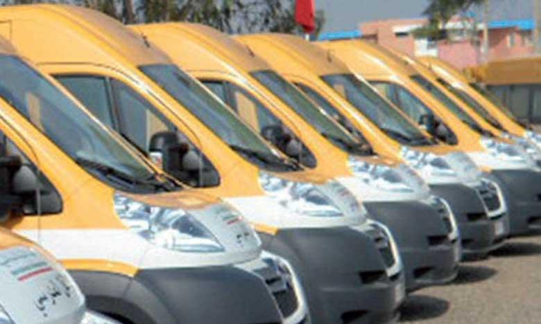 INDH : Remise de bus scolaires et d'ambulances à plusieurs collectivités territoriales