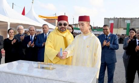 S.M. le Roi Mohammed VI lance  à Kénitra trois projets solidaires dédiés aux femmes et aux jeunes