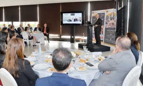 Le groupe Attijariwafa bank a lancé hier des concours baptisés « Trophées Ana Maâk ».