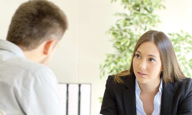 Le respect de l'autre, la confidentialité et l'écoute active sont, entre autres, des règles clés qui permettent de recadrer efficacement.