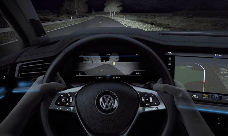 Premier modèle Volkswagen doté du système  d'assistance «Night Vision»