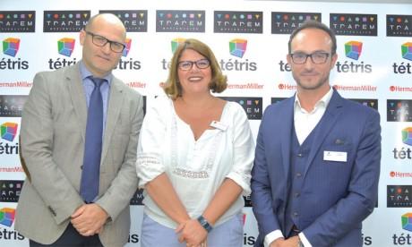 De gauche à droite: Samir  Bennis, DG Trarem, Pascale Richert, Specifier Account Manager Herman Miller, et José Maria Casanova, DG Tétris.
