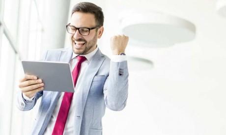 Partant du principe que l'énergie positive est contagieuse, un collaborateur qui adopte une attitude gagnante influence positivement le comportement des autres collaborateurs.
