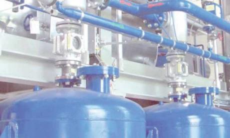 L'approvisionnement en eau potable de la côte Atlantique de la région de Casablanca-Settat est assuré à partir des ressources en eau des deux bassins hydrauliques de l'Oum Er-Rbia et du Bouregreg-Chaouia.