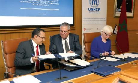 Signature d'une convention tripartite pour faciliter l'insertion économique des réfugiés
