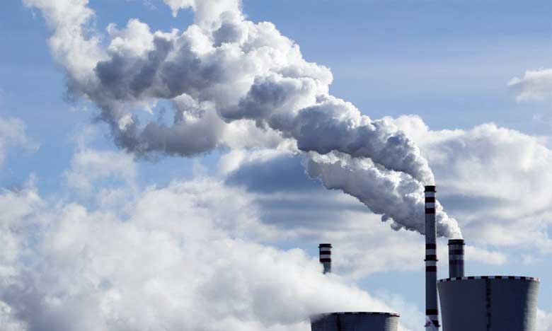 La croissance économique et les émissions de gaz à effet de serre restent corrélées
