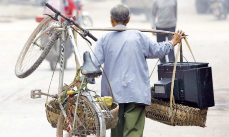 L'aptitude à gravir l'échelle économique indépendamment de la situation socioéconomique des parents contribue à la réduction de la pauvreté. Ph. AFP