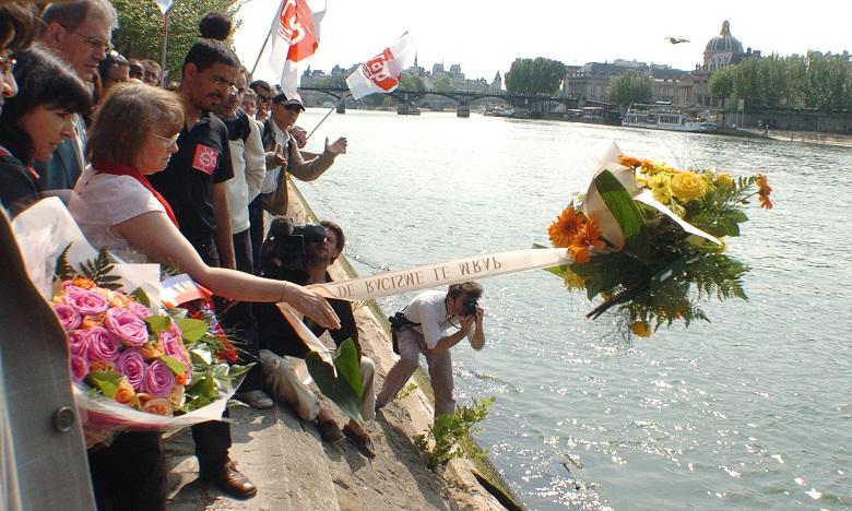 Hommage à la mémoire du marocain Brahim Bouarram, jeté un 1er mai dans la Seine