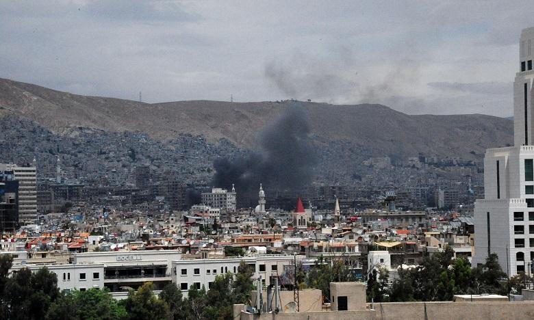 Quatre morts dans des tirs de roquettes à Damas